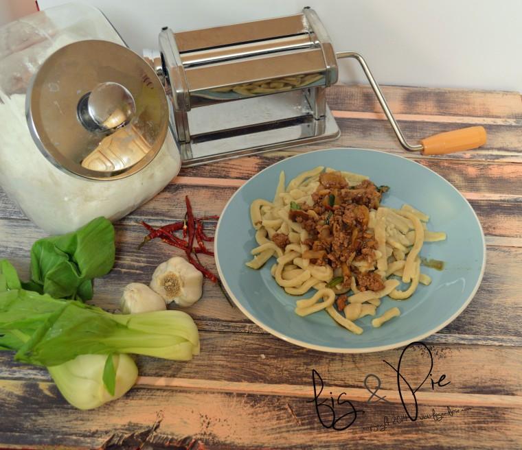 udon noodles (70) WM